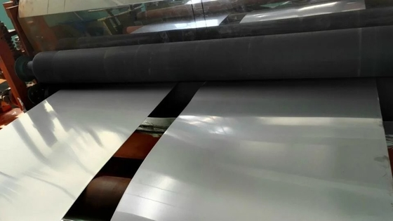 ประเทศจีน Cold Rolled 304 316L Stainless Steel Sheet / Plate Thickness 0.4-3.0mm for Decoration ผู้ผลิต